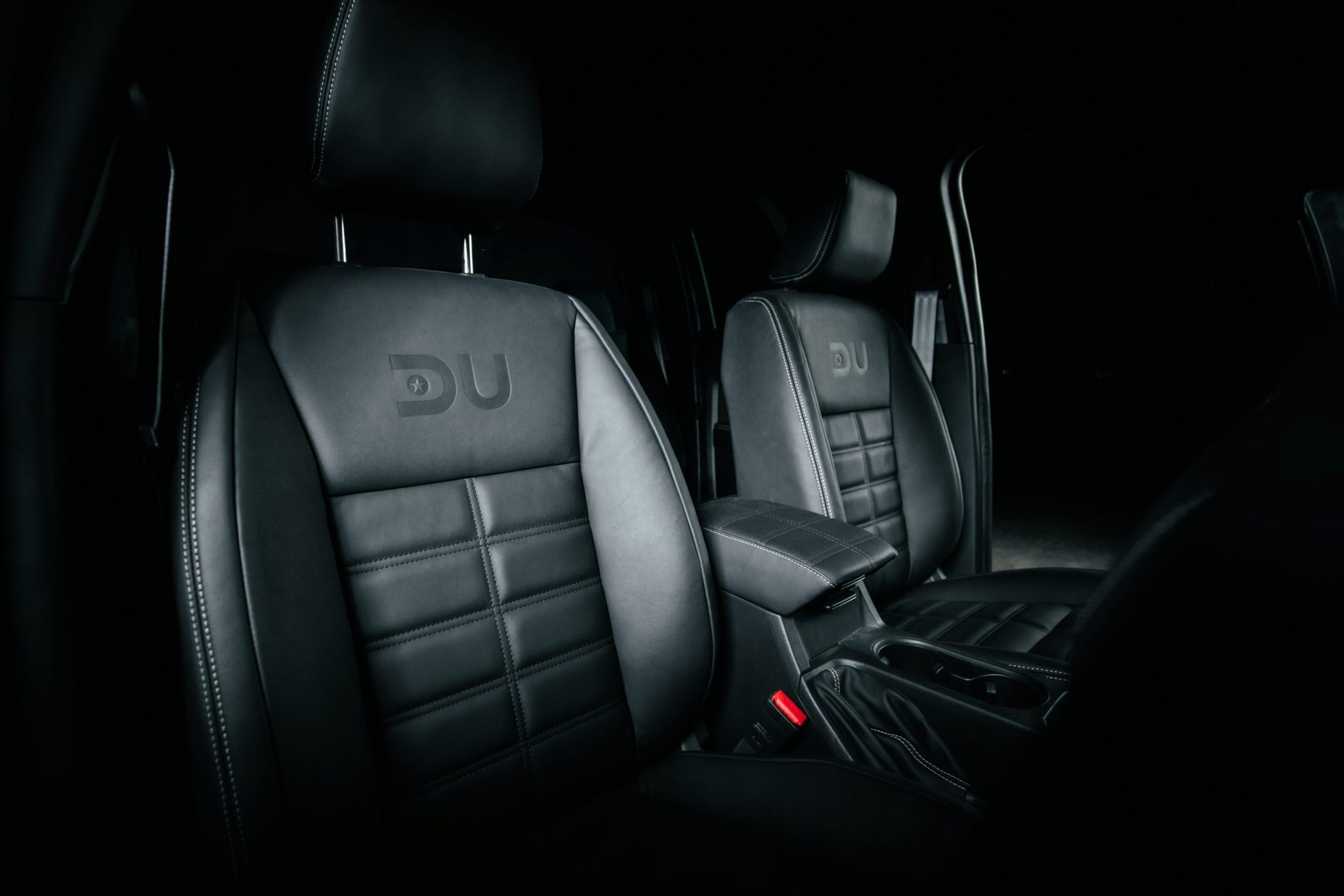 DU150 Custom Seats